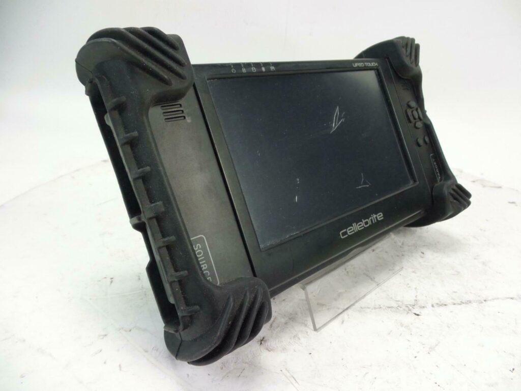أداة لإلغاء تأمين أجهزة iPhone المباعة على eBay مقابل 100 دولار - MacMagazine.com