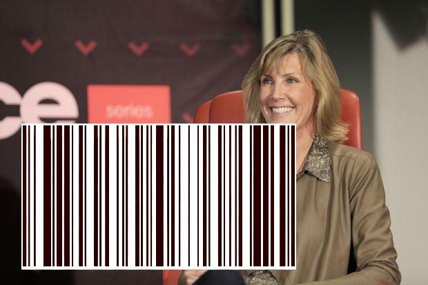 تتحدث جنيفر بيلي ، رئيسة Apple Pay ، عن نجاح نظام الدفع