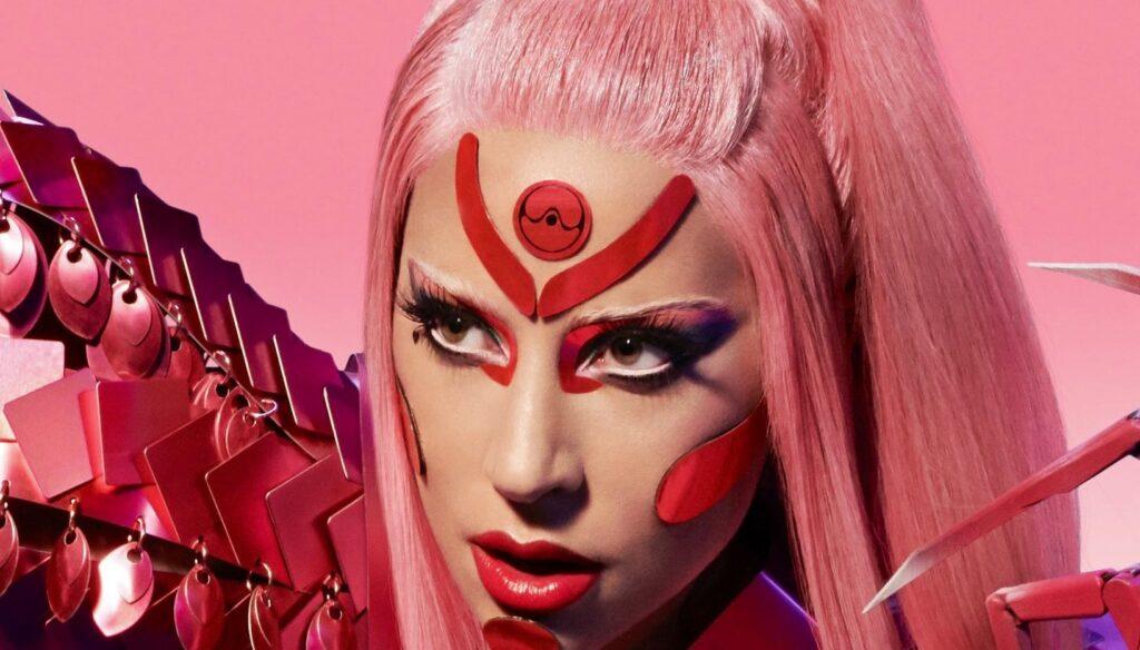 تقوم Lady Gaga بتسجيل الفيديو الخاص بـ Stupid Love باستخدام iPhone ، وتحقق من الدعابة