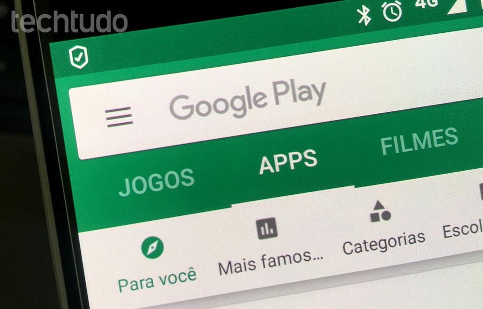 يمكن أن يؤدي التحقق من معلومات التطبيق على متجر Google Play أو متجر التطبيقات إلى تجنب تنزيل الخدمات المشبوهة Photo: Rodrigo Fernandes / TechTudo