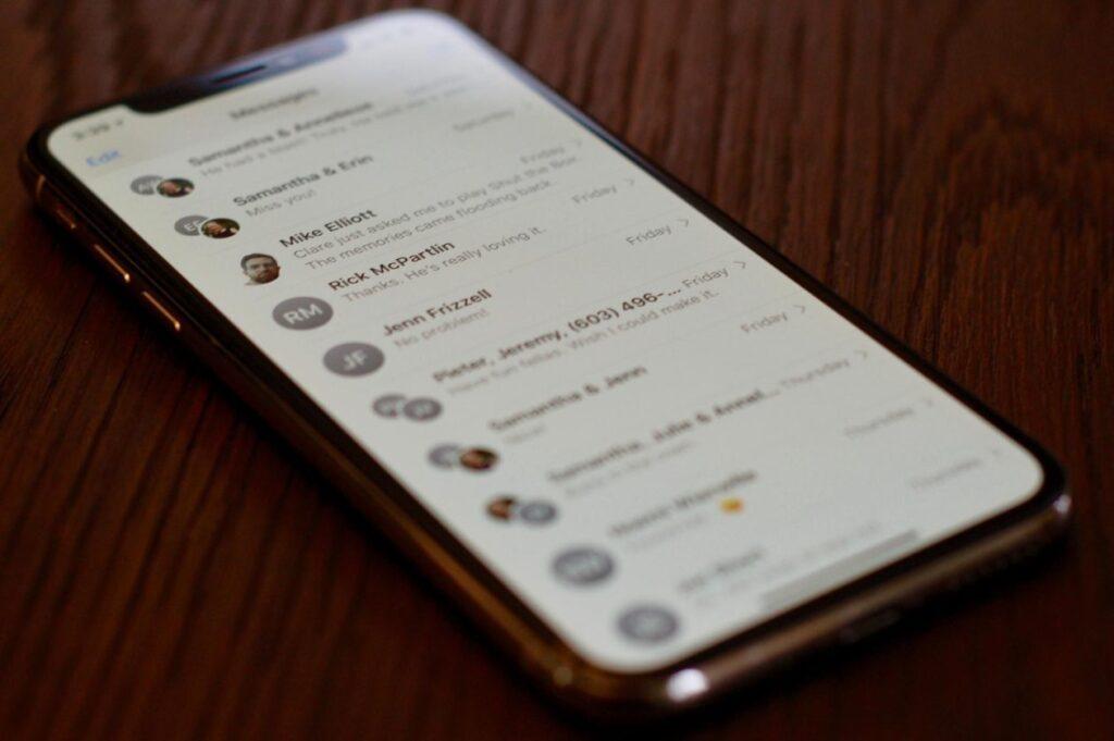 سيتكيف Siri قريبًا مع تطبيقات المراسلة والمكالمات المفضلة لديك - MacMagazine.com
