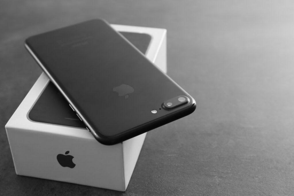 صوت iPhone 7 Plus الهاتف الذكي المفضل في استطلاع الرضا