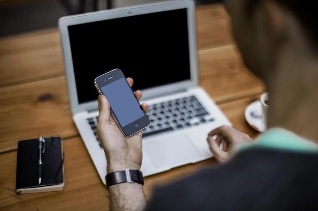 كيفية إصلاح الشاشة السوداء على iPhone وحل مشاكل iOS الأخرى
