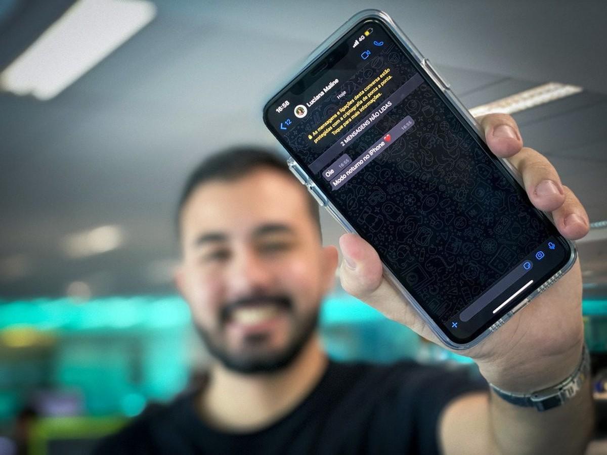 كيفية تعطيل وضع WhatsApp المظلم على iPhone (iOS)