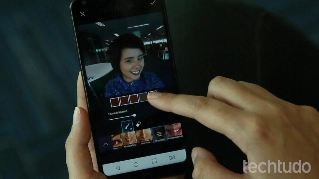كيفية حدود صورتك على هاتفك مع PicsArt | الناشرين