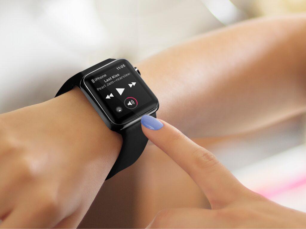كيفية منع عناصر تحكم الوسائط المتعددة في Apple Watch من الفتح تلقائيًا عند تشغيل الصوت على iPhone