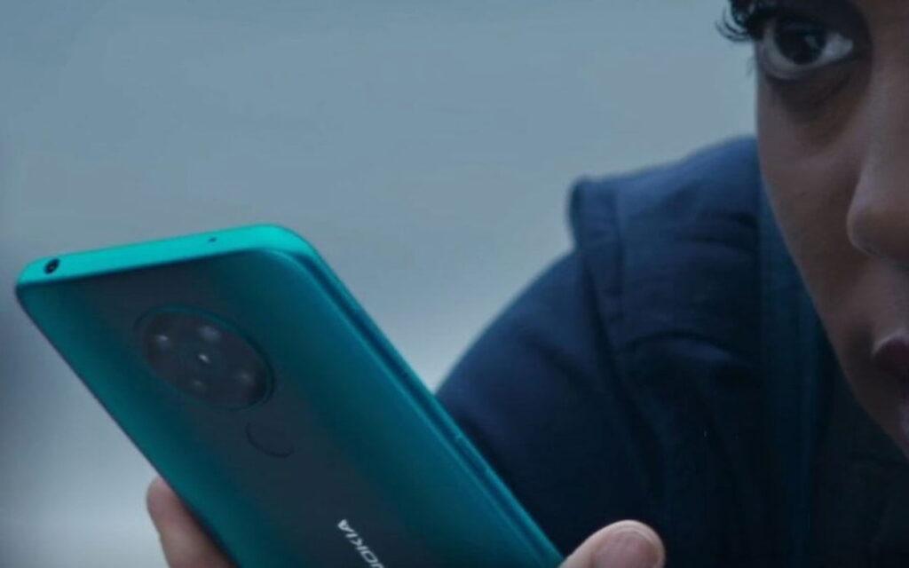 يظهر هاتف Nokia 5G الذكي في الفيلم 007 No Time to Die (لا وقت للموت)