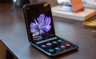 ارتفاع الطلب يجعل سامسونج توسع إنتاج Galaxy Z Flip
