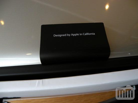 فتح جهاز MacBook Pro الجديد