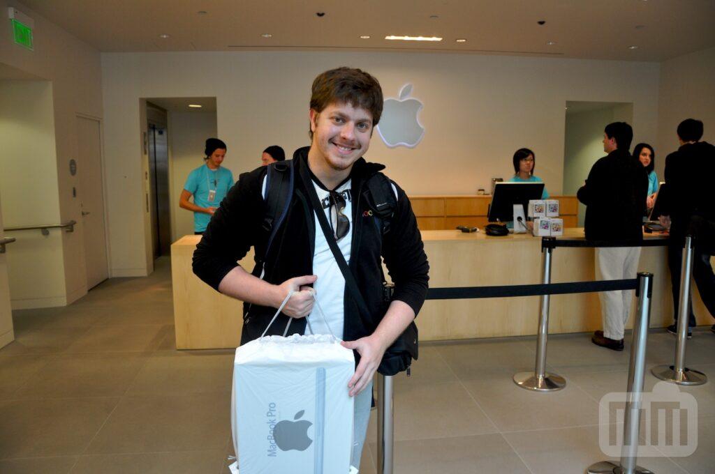 MM في WWDC '09: إخراج جهاز MacBook Pro الجديد مقاس 17 بوصة من علبته